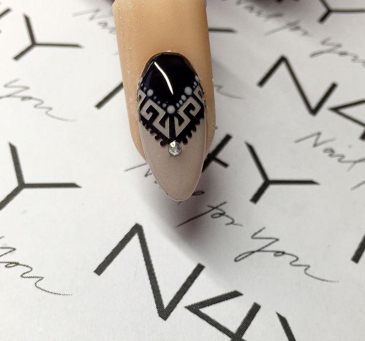 Nemme og hurtige negle stickers, aldrig har det været nemmere at lave Nail art. Se step by step her . Nail art stickers, very easy to make beautyfull nail art designs. http://nail4you.dk