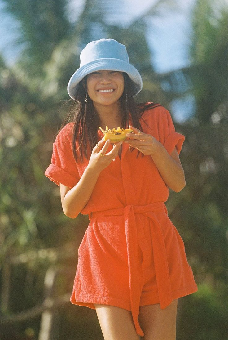 Bucket Hat Outfit, Looks Style, My Style, Nouveau Look, Inspiration Mode, Outfits With Hats, Summer Hats, Poses, Dress To Impress
