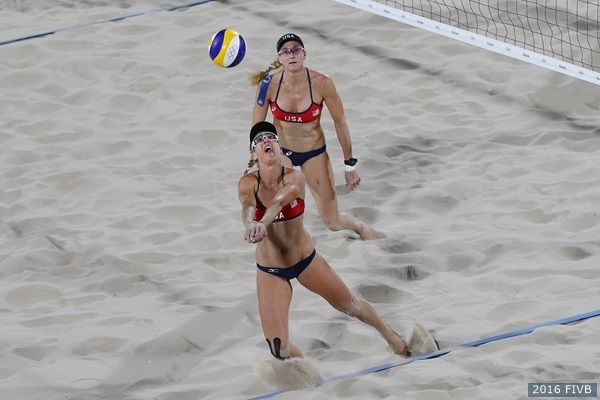 Kerri Walsh Jennings and April Ross led #TeamUSA with a 2-0 record Monday night after sweeping China at the #Rio2016 #Olympics!