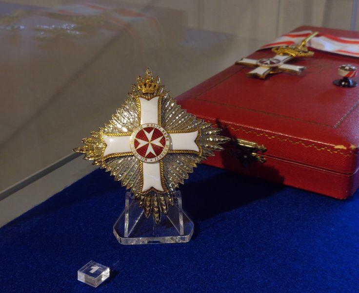 Breast Star, Cross and Rosette of a Grand Officer of the Order pro Merito Melitensi (Civil Class). #OrderofMalta #SMOM #proMeritoMelitensi