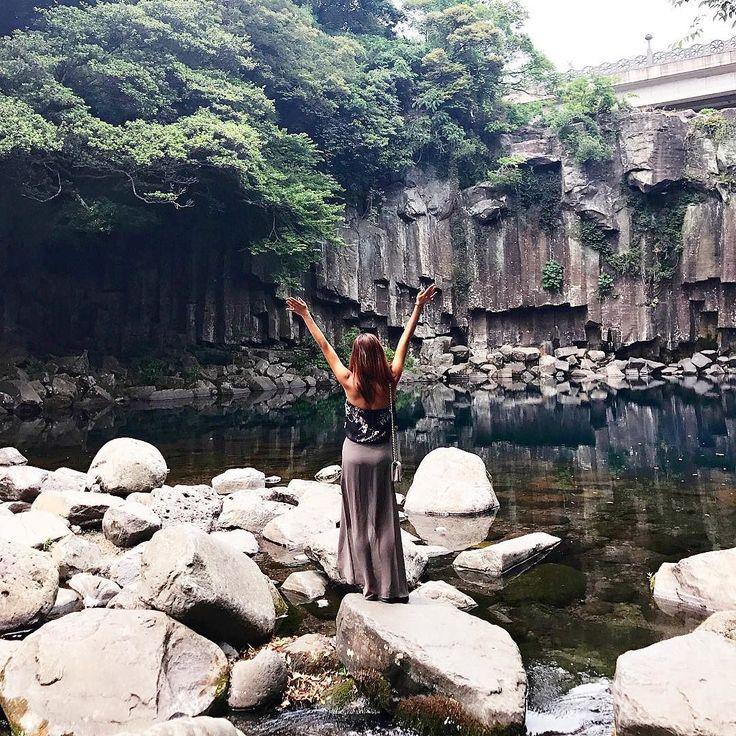 Feels like I have the whole world  . . #jeju #traveler #traveling #korea #nature #connect #free #제주 #사랑 #자유 #행복