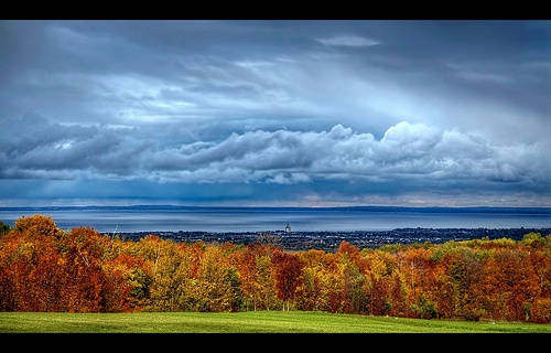 Sky clearing up on a rainy autumn day - Overlooking Collingwood and Georgian Bay (Ontario, Canada)