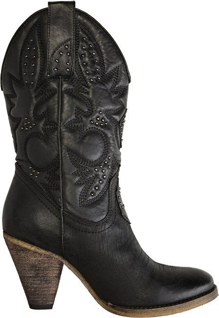 Black cowboy boots. i like these ones. <3