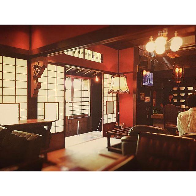 大正ロマン風インテリアで「雰囲気のあるレトロ部屋」を作る方法