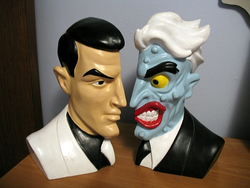 If only one could find these for sale--> excellent Two-Face Batman bookends, photographed here by pirate johnny, via Flickr