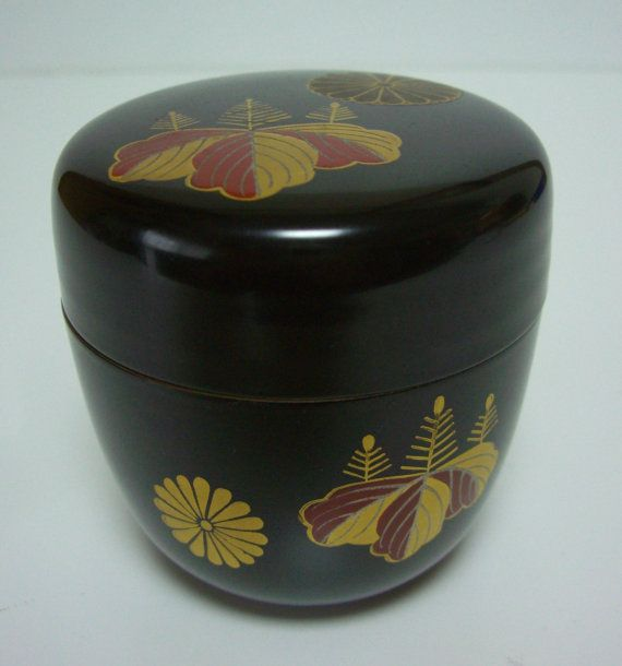 Japanese natsume tea caddy urushi lacquerware.