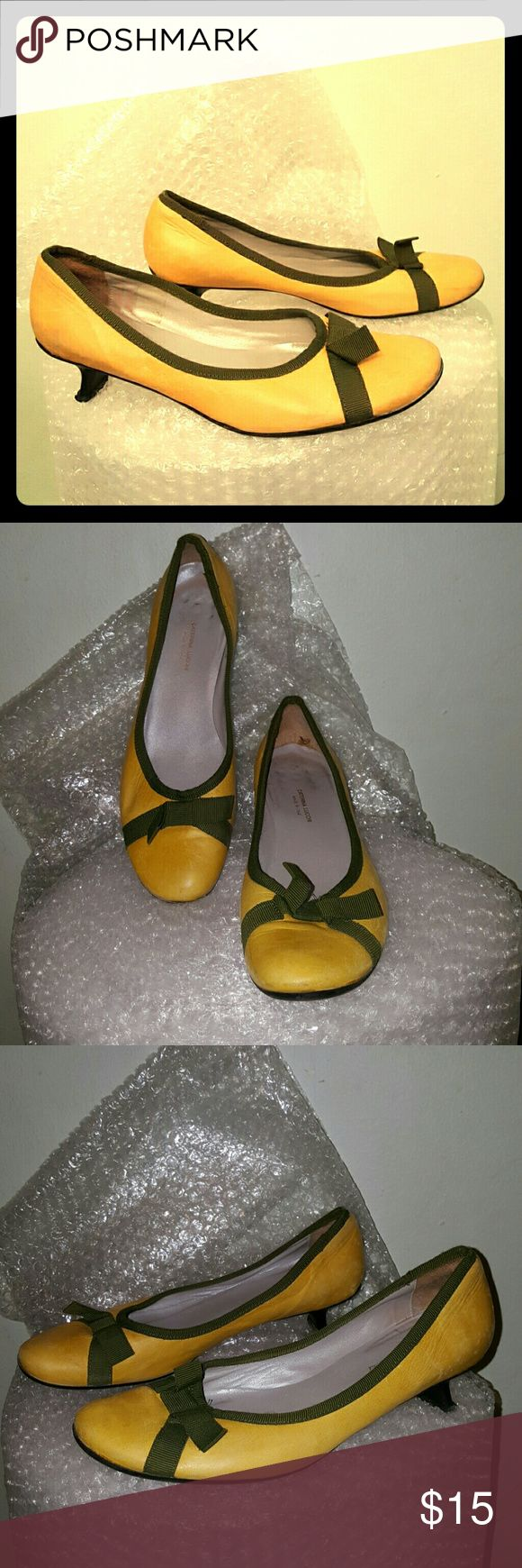 """Caterina Lucci kitten heel grosgrain shoes 37 Yellow leather upper with a bow tie detail at the vamp. 1 3/4"""" kitten heel. Round toe, padded footbed. Made in Italy. Some light scuffing to the leather upper. Caterina Lucchi Shoes Heels"""
