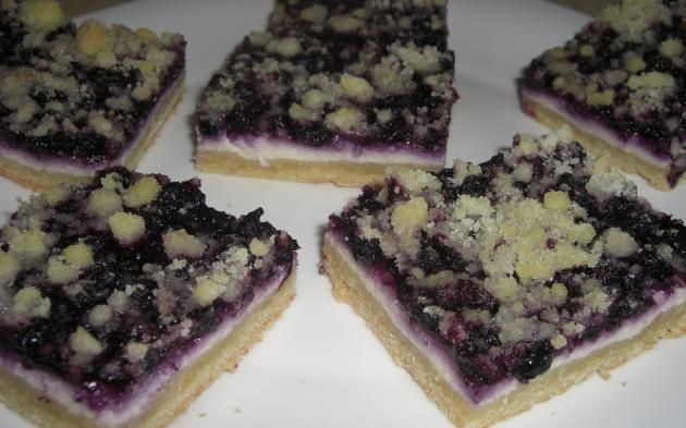 Borůvkový koláč s tvarohovou náplní » Pečení je radost
