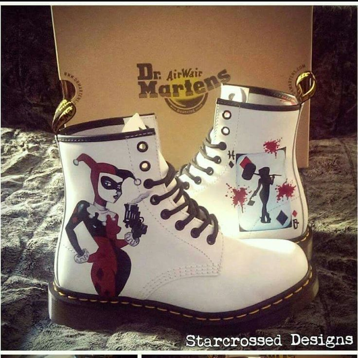 OH MY GOD, I gotta have those!! And I'm gonna need those in roller skates too, size 9, just sayin'!
