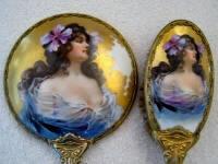 http://www.antiquepeek.com/MirrorsBrushes.htm