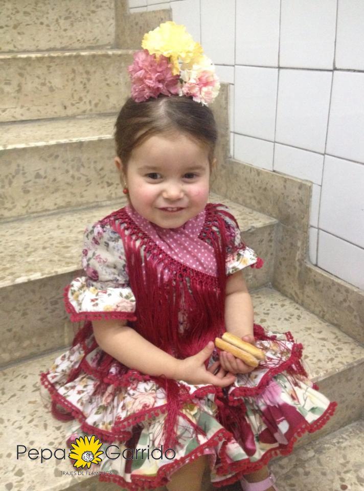 María en el desfile benéfico organizado en el Rastrillo de Nuevo Futuro Sevilla - Trajes de Flamenca Pepa Garrido