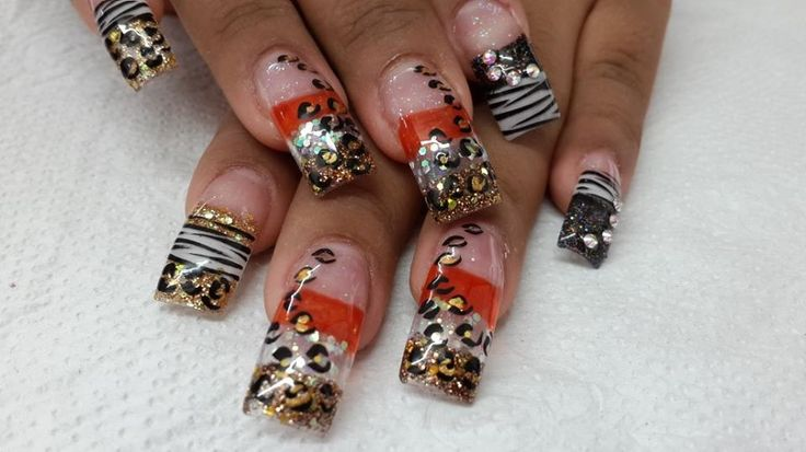 Uñas - orange, black,silver & gold