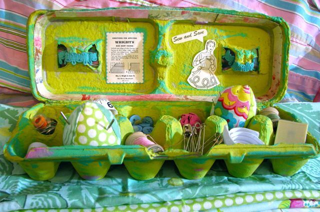 You can make an inexpensive sewing kit from an egg carton! Give it as a gift, or use it to organize your own sewing supplies.
