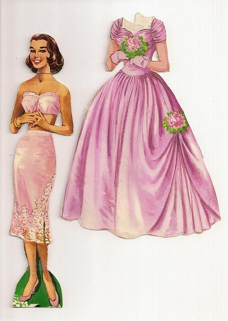 (⑅ ॣ•͈ᴗ•͈ ॣ)♡                                                          bridesmaid paper doll