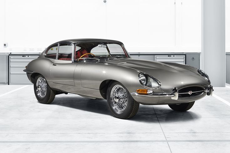 Following the Range Rover Classic Reborn model, Jaguar Land Rover Classic presents the E-type Reborn, limited to just ten models.