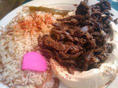 Recette d'agneau Shawarma,épicé cuisson lente (Moyen-Orient). Un gigot d'agneau mariné aux épices d'orient, une cuisson lente et voici un shawarma d'exception, tendre, moelleux, grillé.. Un plat de fête, qui ravira les gourmands.
