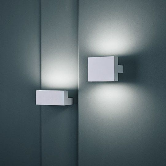 Tight Light: Discover the Flos wall and ceiling lamp model Tight Light