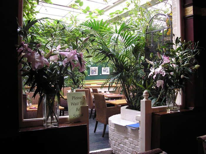 HOME page - The Portobello Gold - Pub, Restaurant, Hotel in Portobello Road, Notting Hill, London.