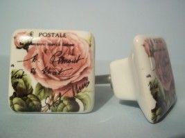 porseleinen vierkante knop beschilderd met roos