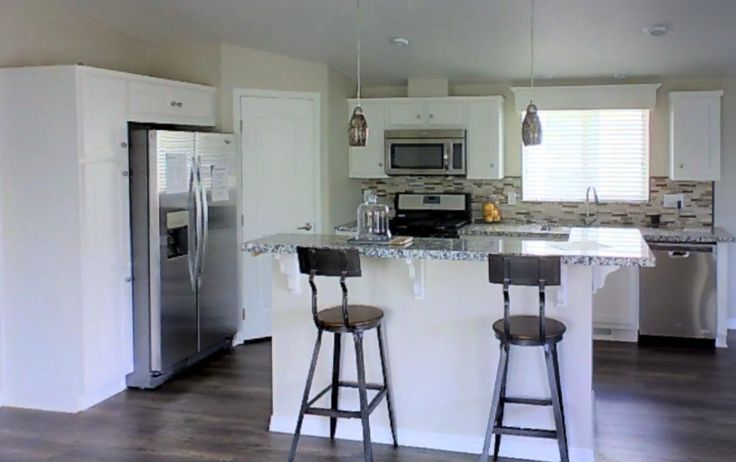 It's Wednesday morning August 31, 2016, which at manufacturedhomes.com can only mean one thing – it's time for our midweek 3-D tour. Today we are featuring the Palm Haven 3410 CT, built by Skyline Homes of San Jacinto California.