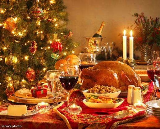 Como decorar a casa para o Natal e qual o significado dos símbolos natalinos   A montagem da decoração natalina é uma tradição seguida por muitas famílias. Mas como evitar que o ambiente fique sobrecarregado com tantas...
