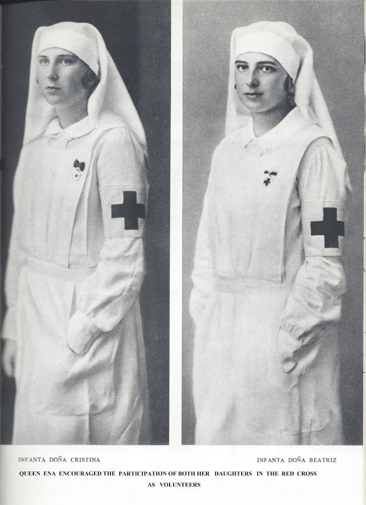 Infanta Maria Cristina, Infanta Beatriz, uniforme de enfermeras de la Cruz Roja