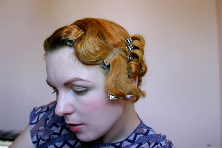 Razzle Dazzle Rose: Basic 30's Hair