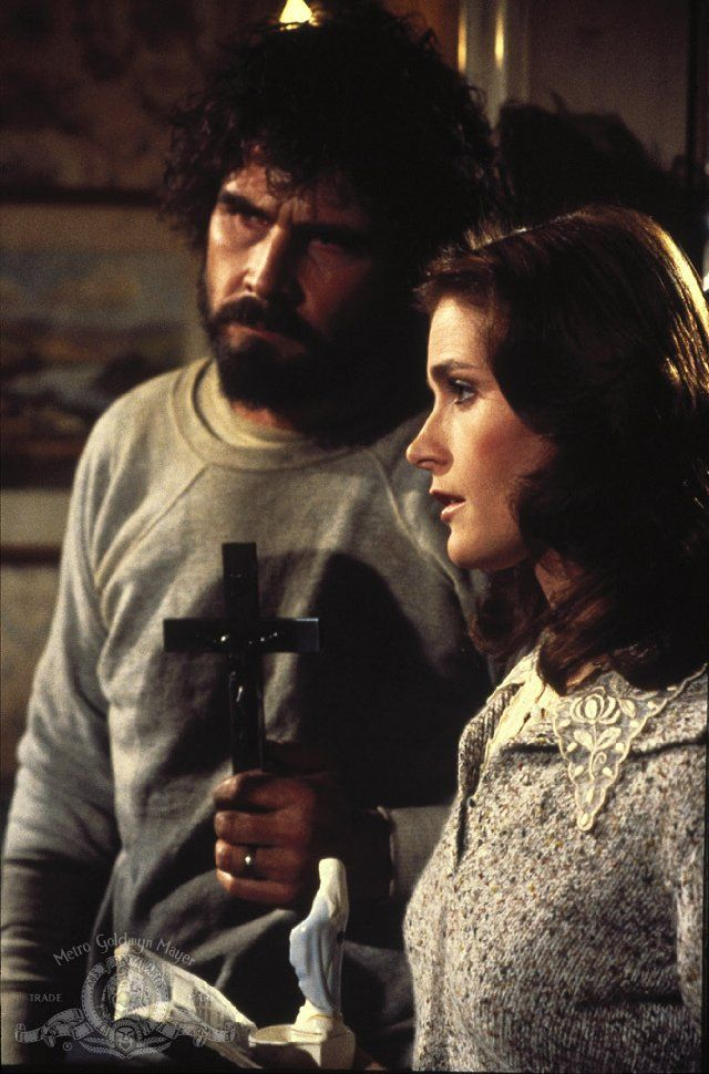 """Still of James Brolin and Margot Kidder in """"The Amityville Horror"""", 1979"""