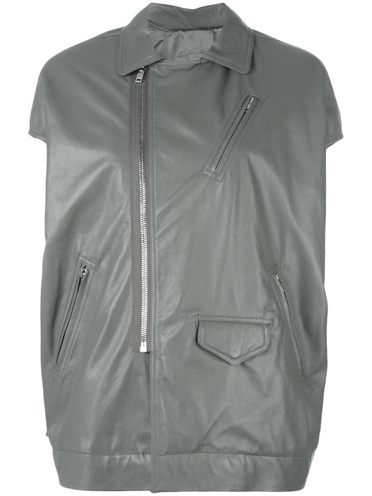 ¡Cómpralo ya!. Rick Owens - Short Sleeve Biker Jacket - Women - Cotton/Leather/Cupro/Viscose - 42. Rick Owens is renowned for his avant-garde aesthetic that pushes the boundaries of traditional shapes. This grey leather and cotton short sleeve biker jacket from Rick Owens features a cutaway collar, an off-centre front zip fastening, front zipped pockets, a front flap pocket and an oversized fit. Size: 42. Gender: Female. Material: Cotton/Leather/Cupro/Viscose. , chaquetadecuero, polipiel…