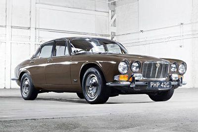 Jaguar XJ 12, 1975, silver off the Santa Barbara!