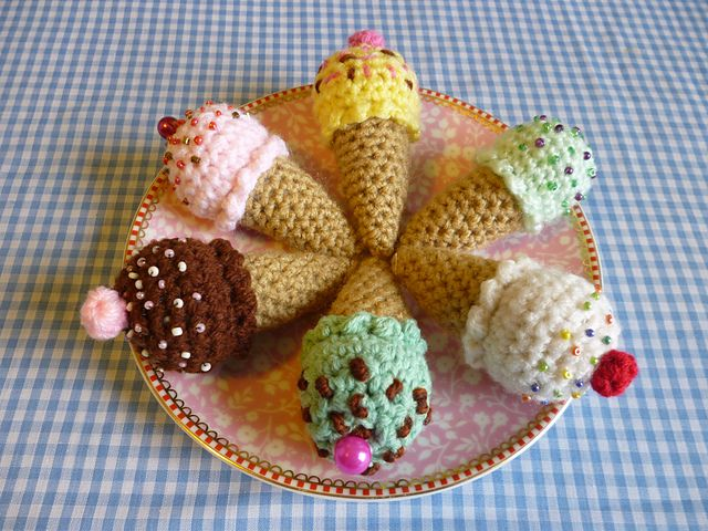 Party Treat Food Amigurumi Crochet Pattern pattern by Janine Holmes