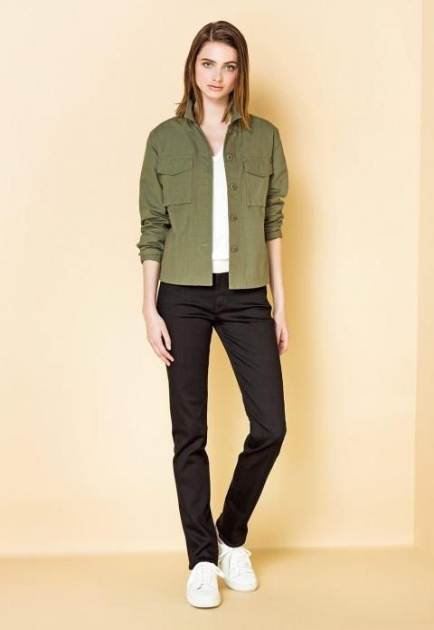 Military styles are all the hype this spring. Stay up to date with our workwear inspired Women's Military Shirt Jacket.