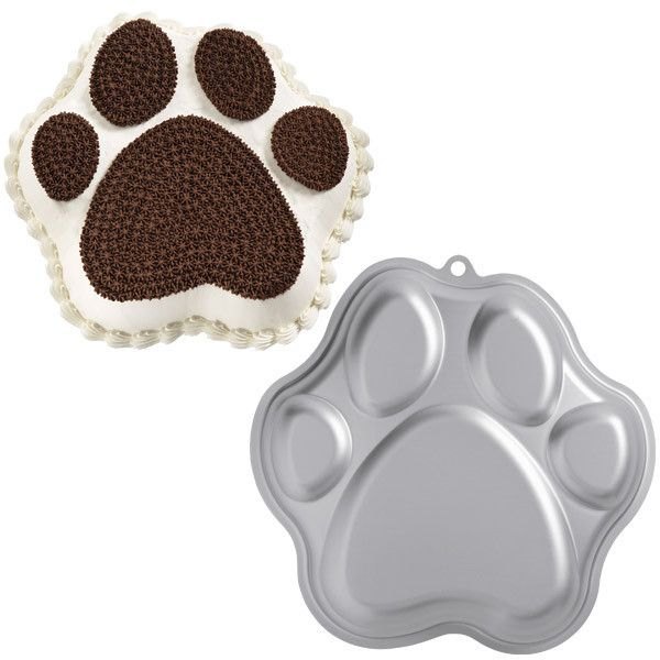 This paw print cake pan is easy to use and comes with instructions. The pan can take any 2-layer cake mix. Perfect for birthdays, bake sales, and more!