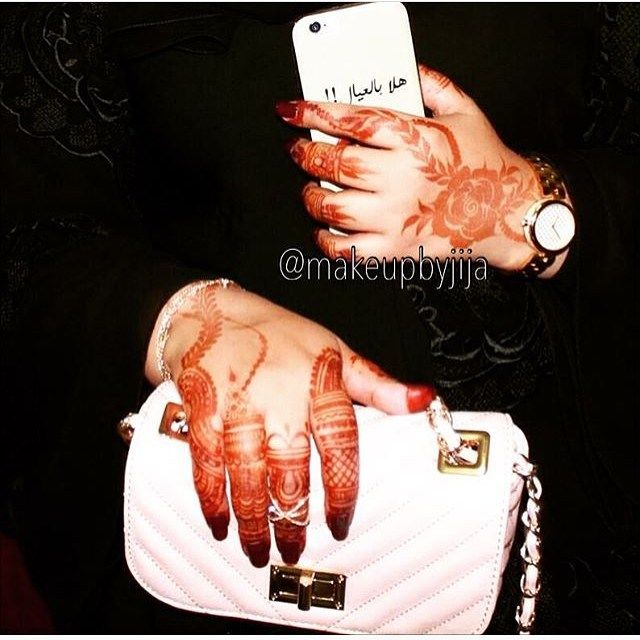 #henna #hena #mehendi #mhendi #dubai #mydubai #dubai #artist #tattoo #patterns #flowers #girls #cute #wakeupandmakeup #vegas_nay #hudabeauty  #bride #bridal  #mua #nailpolish #creativity #حنا #حناء #نقوش #دبي #بنات #نقش #monakattan #laurag_143 #hennainspire
