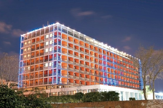 Makedonia Palace hotel in Thessaloniki, a modern hotel located in the center of the town!