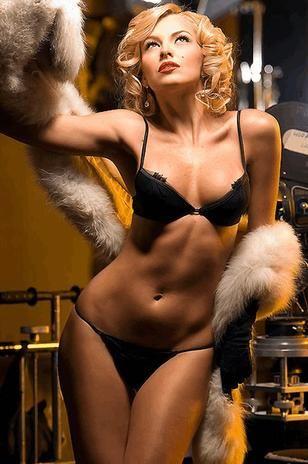 Marjorie de Sousa,Godzilla 2014, Hot Latina, Marjorie De Souza, Sexy Celebrities, Pretty Women, Marjori De Sousa, Body Languages, Alor Encore, Marjorie De Sousa