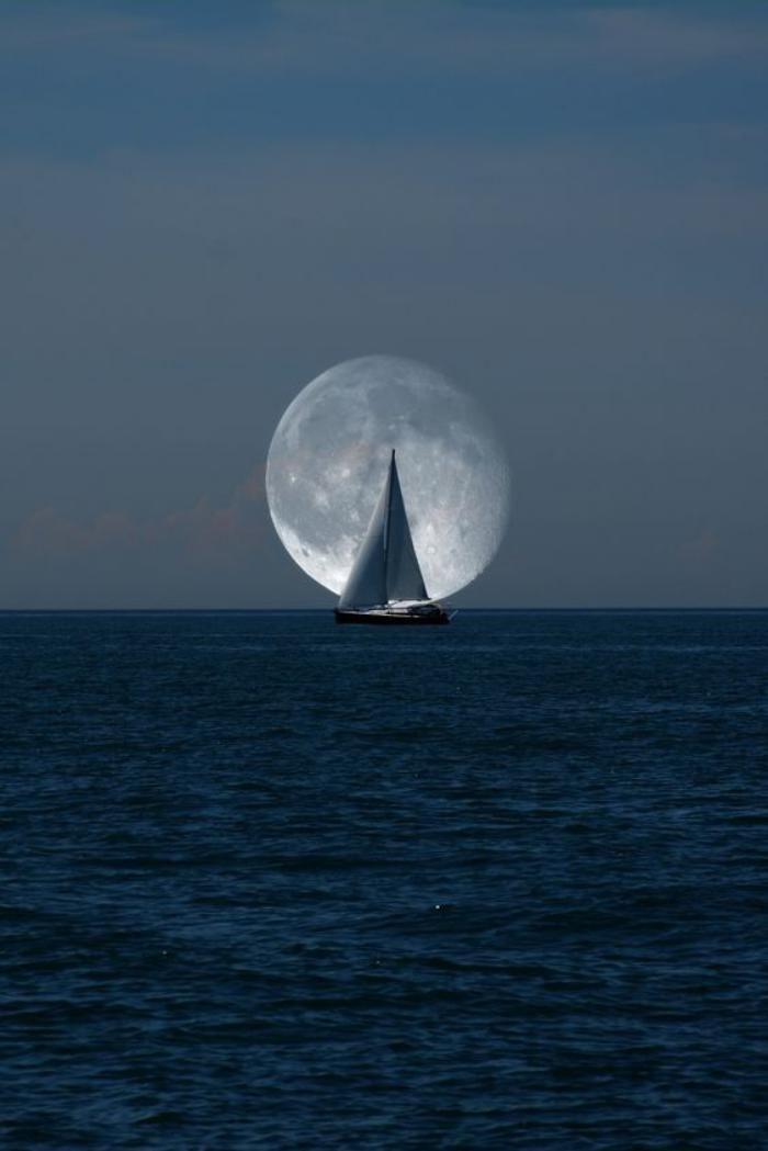 la pleine lune, voilier et lune, photos prises au bon moment