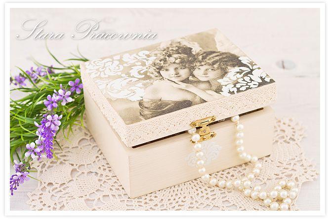 pudełko zdobione decoupage w stylu shabby chic www.starapracownia.blogspot.com