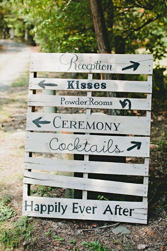 pallett sign via 7 Wood Wedding Signs You'll Want to Steal