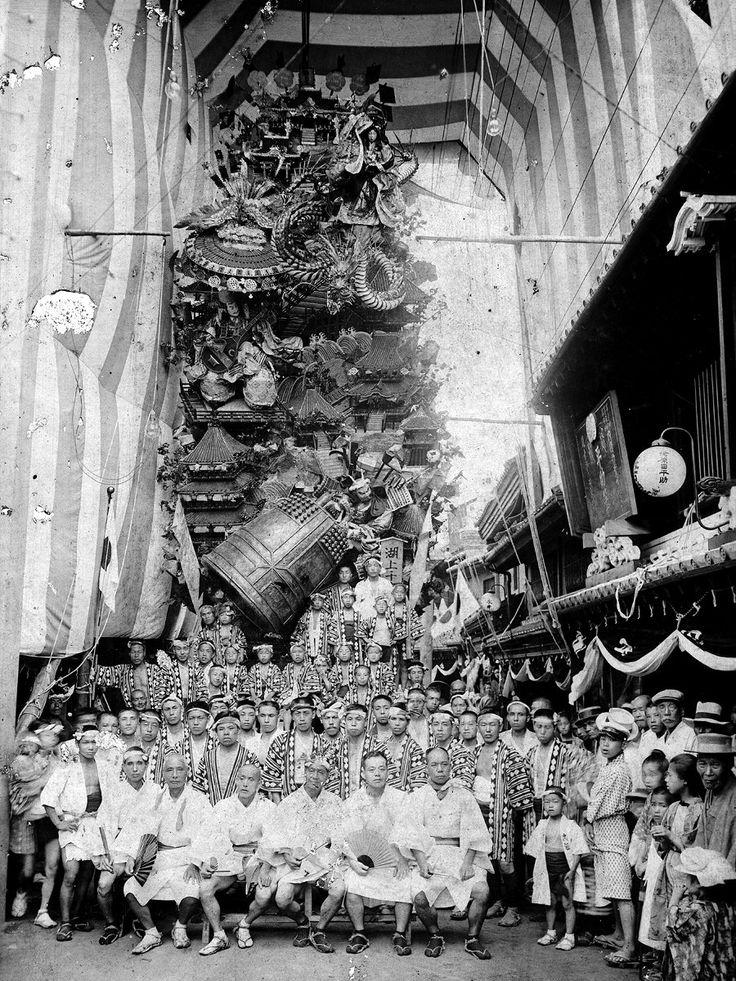 Hakata-gion-yamakasa festival, 1915, Fukuoka, Japan