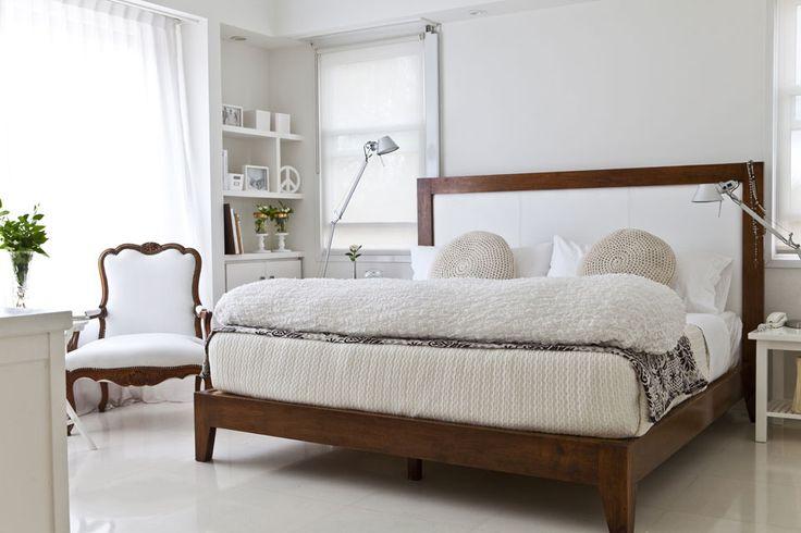 ¿Querés un cuarto más dinámico? Jugá con las texturas a través de los textiles en mantas, cubrecamas, pie de cama y almohadones. Foto: Archivo LIVING