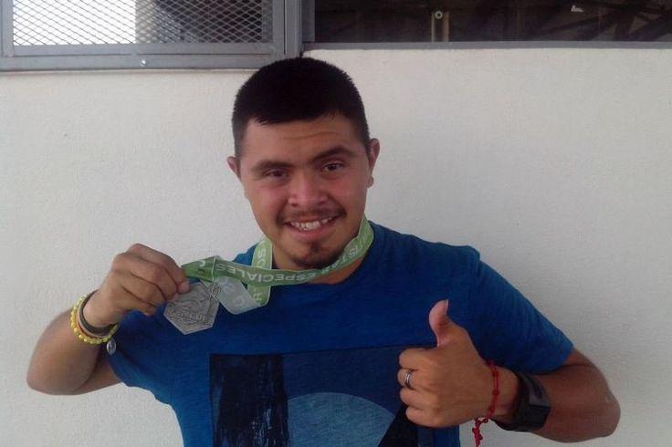 Oros y récord del mundo para Juan Rodríguez en Mundial de Atletismo Down Sudáfrica 2015