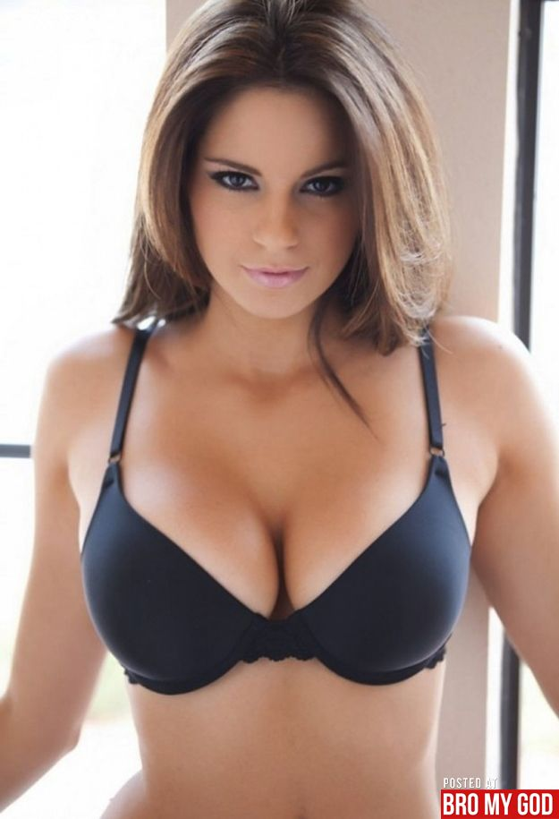 Check Out Hottie Of The Week Nicci Nicole Pisarri Shes Gorgeous And Loves To Model Bikinis And Lingerie If You Poke A  Busty Girls, Busty -5409
