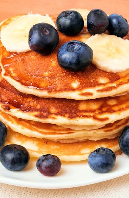 Low FODMAP Recipe and Gluten Free Recipe - Banana and maple pancakes with blueberries     http://www.ibs-health.com/low_fodmap_banana_maple_pancakes_blueberries.html