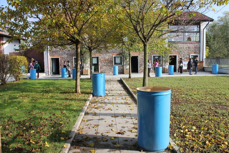 Installazione di una mostra temporanea presso il cortile del Centro Parco #exhibition #photography