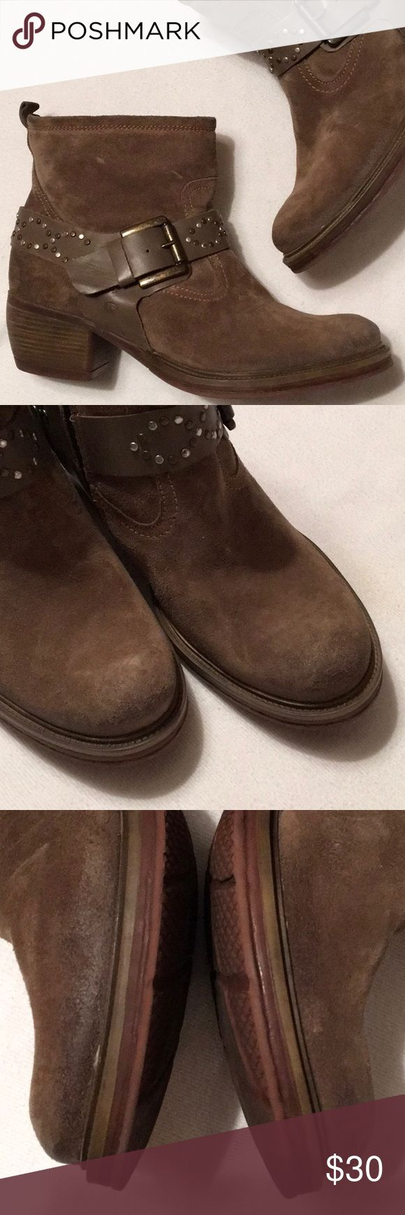 """Josef Seibel Brown Suede Ankle Boots sz 10 Great looking, well made boots in excellent condition.  Some scuffing at toes. Otherwise, solid and clean inside and out.  Zippers, pulls, straps and buckles excellent.  Zero heel or sole wear.  Heel 2"""".  Height 6"""".  Euro sz 41. Josef Seibel Shoes Ankle Boots & Booties"""
