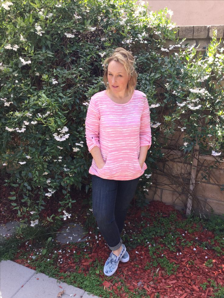 40 over fashion / Pink sweater