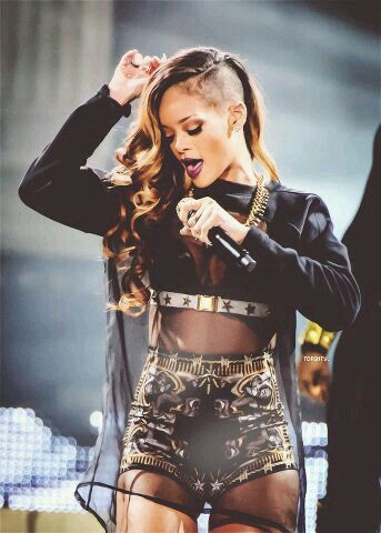 Rihanna stage outfit. Her hair is so beautiful in this one