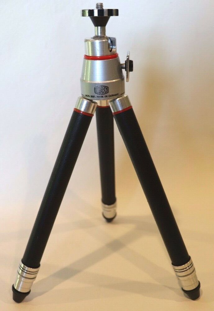 COMPACT TRAVEL SIZE VINTAGE TRIPOD WITH CASE