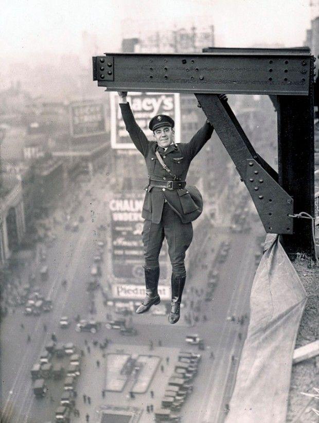 guillher: NYPD Stunt via
